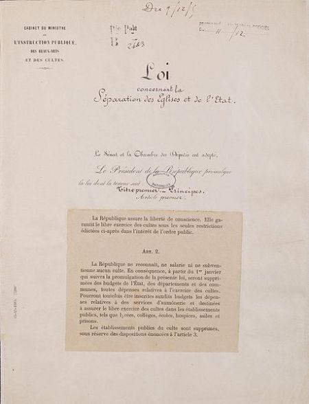 Loi_de_séparation_des_églises_et_de_l'État._Page_1_-_Archives_Nationales_-_AE-II-2991