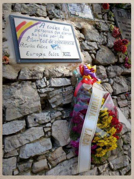 ramo Asturias Laica  cementerio El Sucu 2014
