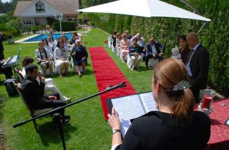 Primera ceremonia de bautizo civil celebrado en Redondela // FDV