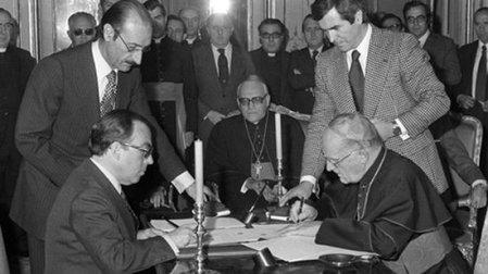 Firma del acuerdo entre España y la Santa sede en 1979 // nuevatribuna.es