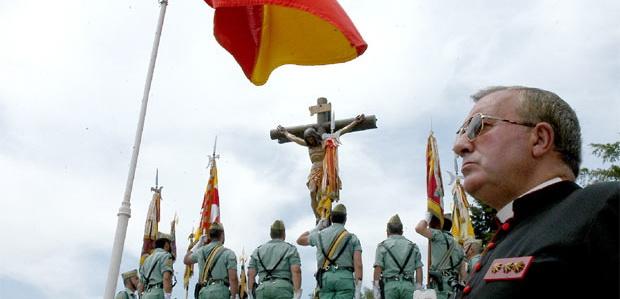 De sotanas y ejército ¿Qué hacen curas católicos, y con rango militar, en  el ejército de un país aconfesional? – Republicanos Segovia