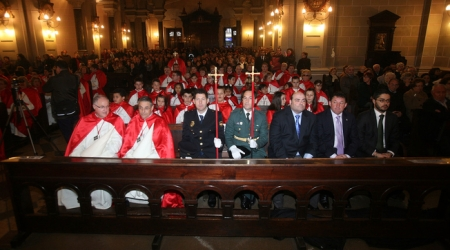 Imagen Asturias24: Autoridades municipales, policiales y militares, Semana santa 2009