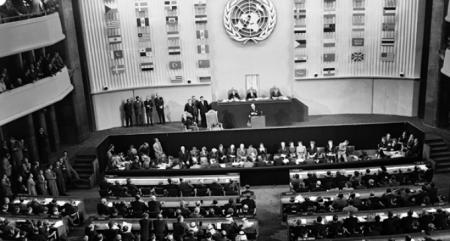 Aprobación de la Declaración Universal de los Derechos Humanos en Paris, en 1948. ONU (La Marea)
