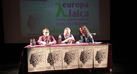 Francisco Delgado, Fernando Savater y Andrés Carmona en la conferencia inaugural