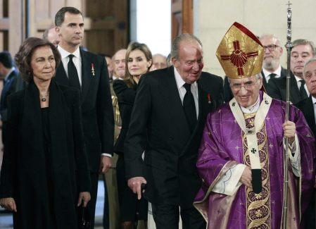 El entonces cardenal arzobispo de Madrid, Rouco Varela, en un acto con los Reyes en 2014. EFE
