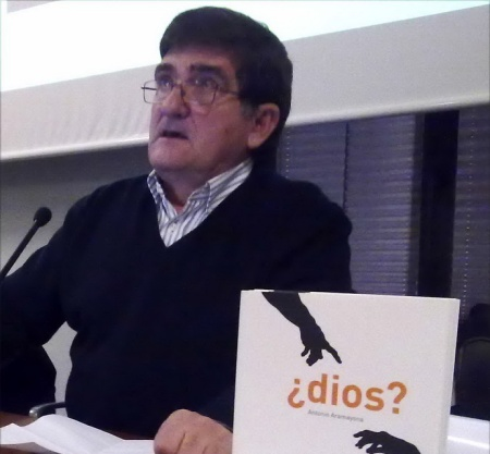 """En Gijón, presentación de su libro """"¿Dios?"""""""