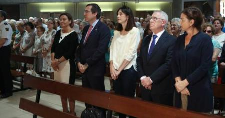 Por la izquierda, la alcaldesa Carmen Moriyón con los ediles foristas del equipo de gobierno Fernando Couto, Ana Braña, Manuel Arrieta y Montserrat López