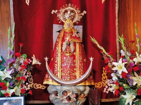 Virgen de los Llanos / Pulsar sobre la imagen para ver Saluda del Alcalde y programa de fiestas