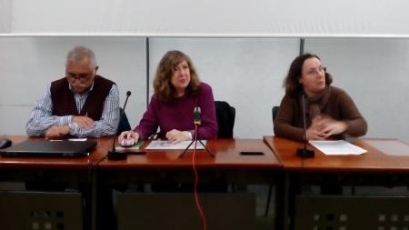 En la mesa, José Luis Iglesias, Teresa Galeote y Begoña Piñeiro
