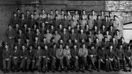 la 9 llegó a la alcaldía de París a las 21 y 20 del 24 de agosto de 1944. Fuente @Anne_Hidalgo