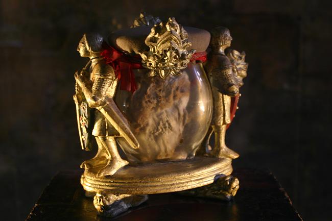 Uxue, Ujué atalaya de Navarra.: Carlos II. Su corazón y la ...