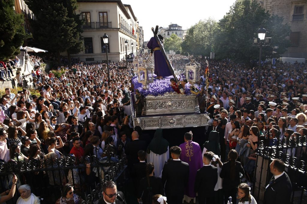 europapress_2071042_semana_santa_granada_2019_procesion_padre_jesus_gran_poder-1024x682-1