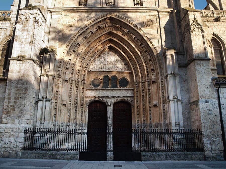 puerta-reyes-catedra-palencia
