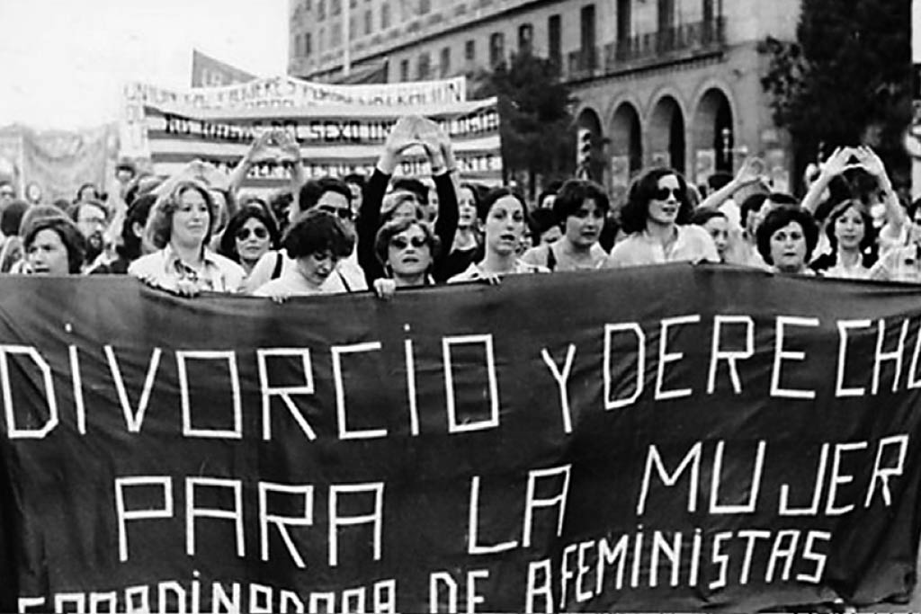 Fotografía-Manifestación-Feminista-años-70-.